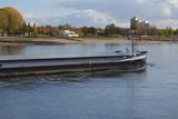 Binnenschifffahrt auf dem Rhein - 233156288