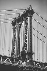 Manhattan Bridge  in Black and White © Alberto Lama