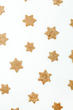 Gingerbread cookies pattern on white background. - 233254274