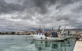 Gewitterwolken über dem Hafen von Manfredonia; Apulien - 233273803