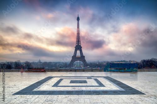 Place du Trocadero und Eiffelturm in Paris, Frankreich