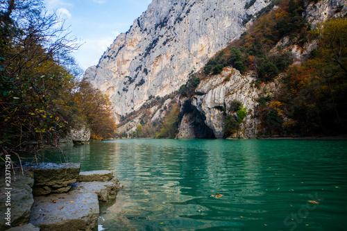 Naturalna rezerwa Furlo wąwóz w Marche, Włochy