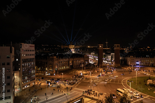 fototapeta na ścianę Plaza de Espana in Barcelona, top view at night, traffic lights.