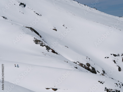 fototapeta na ścianę Skiers on Mt Ruapehu, New Zealand