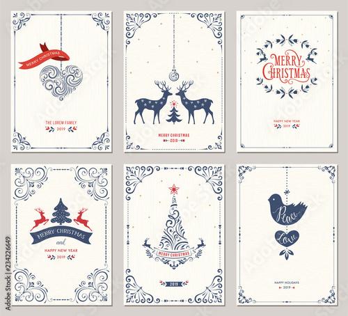 Kwiecisty pionowe zimowe wakacje kartki z nowego roku drzewa, renifery, ozdoby świąteczne, gołąb, ramki wirowe i projekty typograficzne.