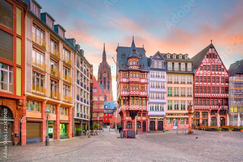 Leinwanddruck Bild Frankfurt Old town square romerberg at twilight