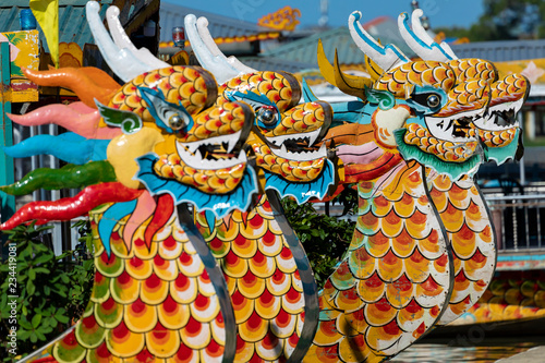 Leinwanddruck Bild Traditional Dragon Boat on the Perfume River in Hue, Vietnam