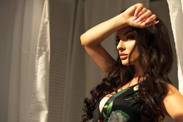 Sexy brunette girl © Aarrttuurr