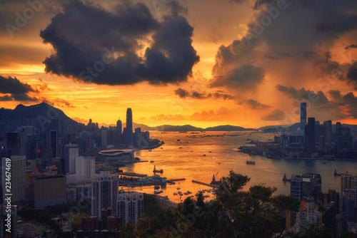 fototapeta na ścianę surreal of golden skyline with cityscape and ocean