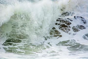 Vague sur l'océan atlantique © bios48