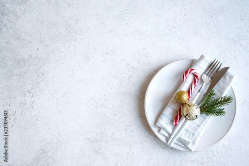 Christmas Table Setting - 235094613