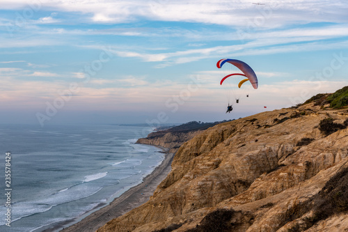 Paragliding at the Torrey Pines Gliderport, La Jolla, California, 3 © David Levin