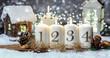 Leinwanddruck Bild - Advent Kerzen Hintergrund Motiv Romantisch Haus