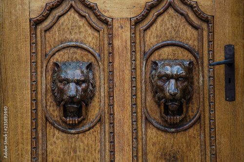 Carved wooden antique doors with lion heads - Carved Wooden Antique Doors With Lion Heads Buy Photos AP Images