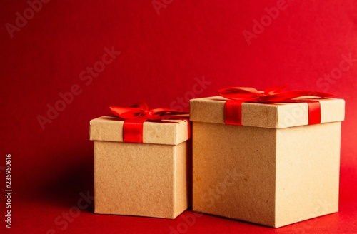 fototapeta na ścianę Gift boxes on red background
