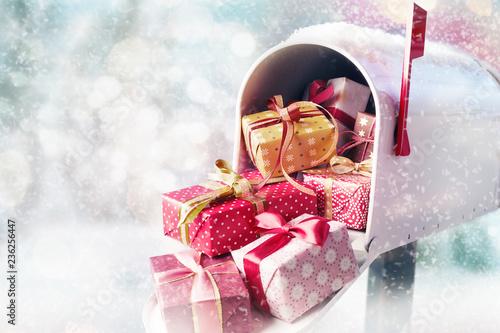 Leinwandbild Motiv White mailbox filled with presents