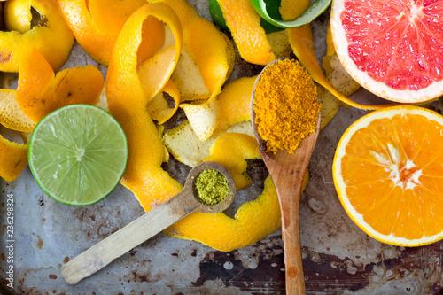 Skórki owoców cytrusowych, pomarańcza, cytryna i grejpfrut