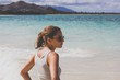 Oahu Hawaii shooting Frau am Strand mit Sonnenbrille