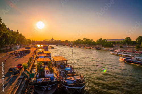 Sunset view on bridge and buildings on the Seine river in Paris, France - 236515007