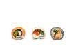 Sushi.  Tradycyjne japońskie sushi ,kompozycja rolek na białym tle.Rolka sushi na białym tle.