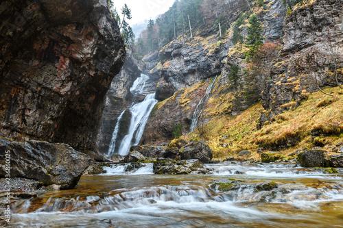 Foto Murales beautiful stream at monte perdido national park, Spain