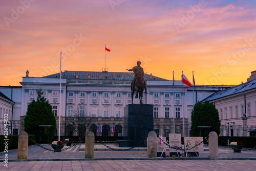 Warszawa, Pałac Prezydencki o wschodzie słońca