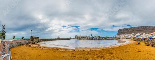 Bucht und Hafen - 236944600