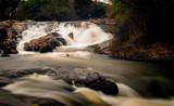 Cachoeira em Extrema fotografada em longa-exposição
