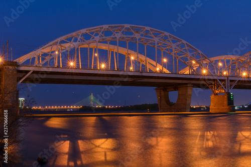 fototapeta na ścianę The bridge across the Dnipro river in Kiev, Ukraine in the spring