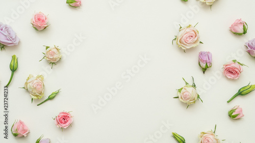 Leinwanddruck Bild rose buds mix on white background. tender floral layout