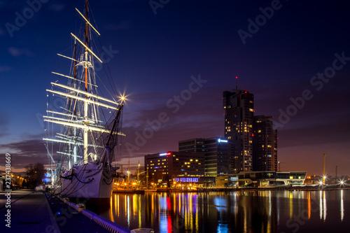 Fototapety, obrazy : Nightscape Gdynia, Poland