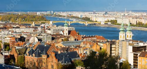 Widok miasta Budapest pejzaż miejski z Danube rzeką