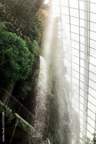Indoor Wasserfall in Singapur