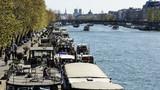 Hausboote in Paris an der Seine