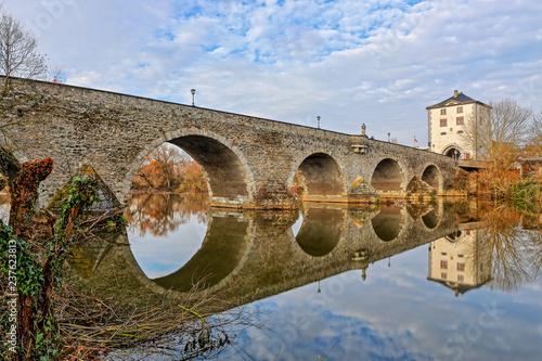 Obraz na płótnie Alte Lahnbrücke in Limburg, Oberstromseite
