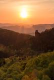 Morgendlicher Blick vom Gohrischstein auf große und kleine Hunskirche (Wetterfahnenaussicht) / Morning view from the top of Gohrisch table hill in Saxon Switzerland