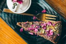 """Постер, картина, фотообои """"chocolate cake with flowers topping"""""""