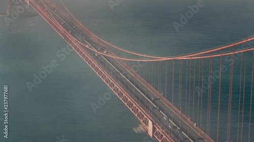 Obraz na płótnie Cinematic Aerial of The Golden Gate Bridge in San Francisco