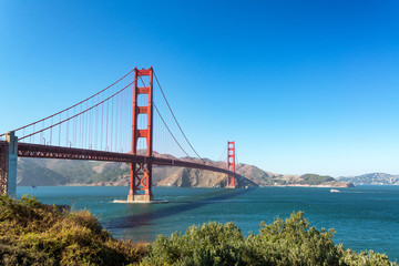 Golden Gate Bridge in San Francisco © jkraft5