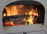 feu dans intérieur de poêle