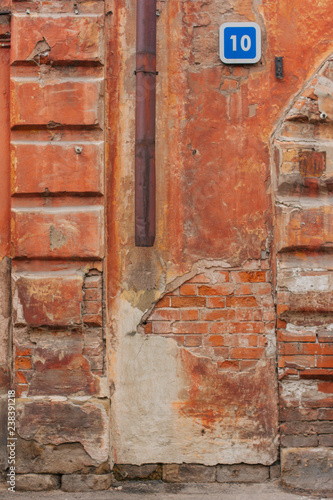 old red wall - 238391218