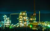 Strom, Kraftstoff, Strom, Erzeugung, Kabel, Beleuchtet, Technologie, Stromleitung, Pipeline, Linie, Nacht, dunkel, Himmel, Verbindung, Raffinerie, Anlage, Betrieb, Licht, Architektur, Industrie, Strom - 238442420