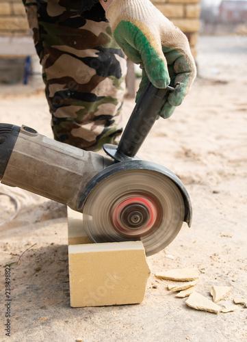 brick cutting tool - 238498822