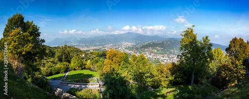 Foto Murales Landscape view from San Vigilio castle (Castello di San Vigilio) in Bergamo, Italy.