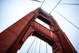 Golden Gate Bridge visto dal basso