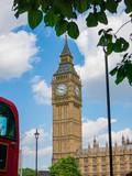Elizabeth Tower Big Ben mit rotem Bus © Patrick Gritzan