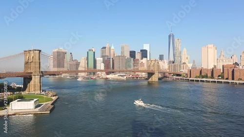 New York, Brooklyn Bridge and downtown skyline
