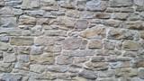 alte Bruchsteinmauer aus der Nähe