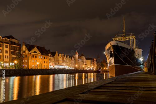 obraz PCV The Polish city of Gdansk at night.