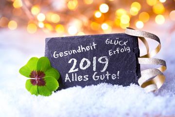Neujahr, Silvester 2018, 2019 - Hintergrund mit Bokeh und Schnee - Schiefertafel  © Floydine
